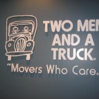 two-men-truck-3-d-002