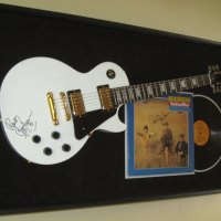 Bachman Guitar Shadow Box