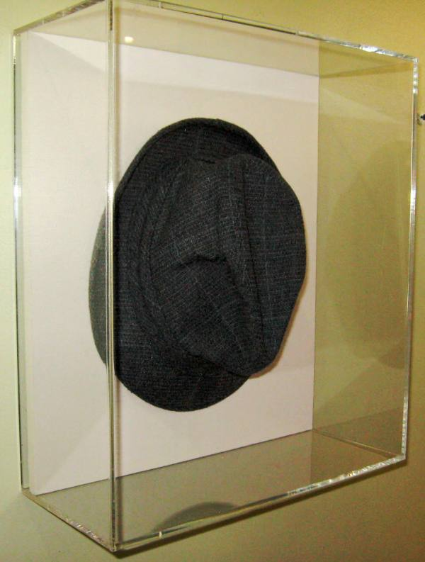 fedora-plexi-glass-encasement