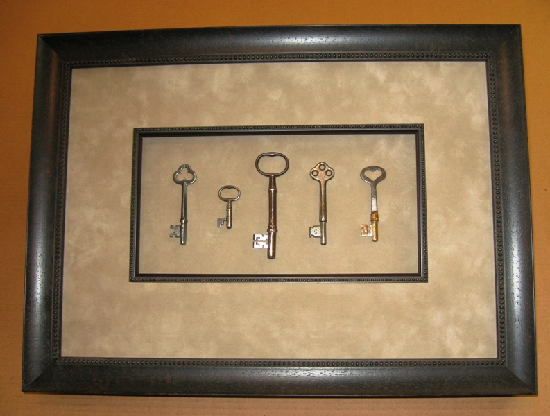 Antique Keys mat-fillet-shadow-box
